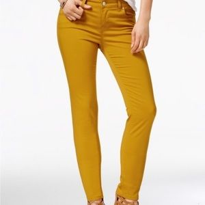Celebrity Pink Mustard Yellow Skinny Jeans 11/30
